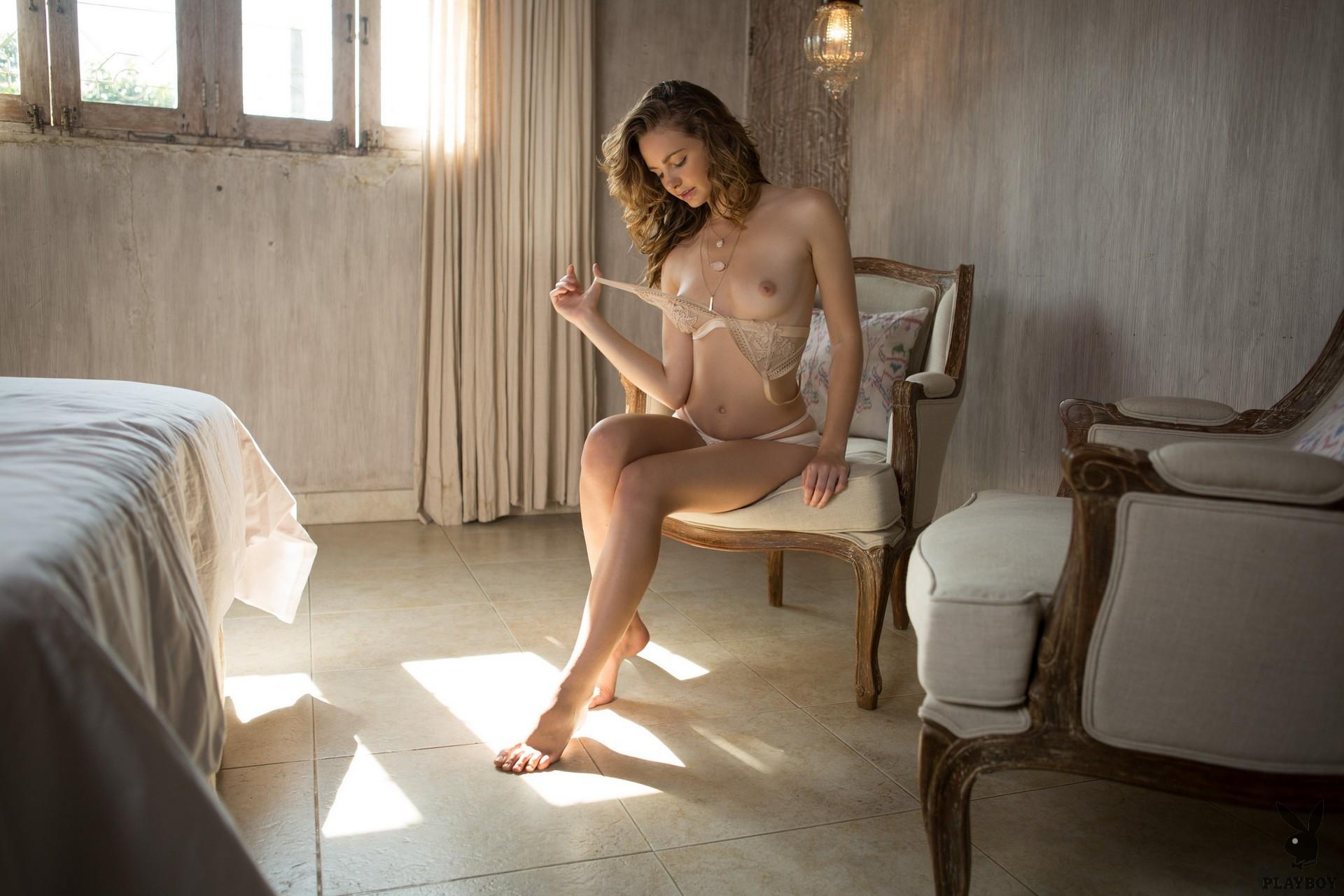 Mila Kunis American Psycho 2 - 2002 HD 720p