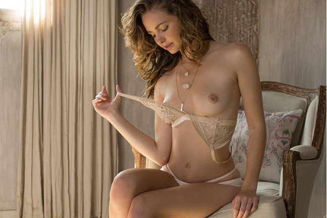 Evelyn Sommer in Delicate Seduction