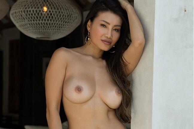 Viviane Leigh in Tropical Seduction