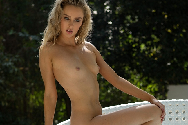 Thera Jane in Poolside Seduction