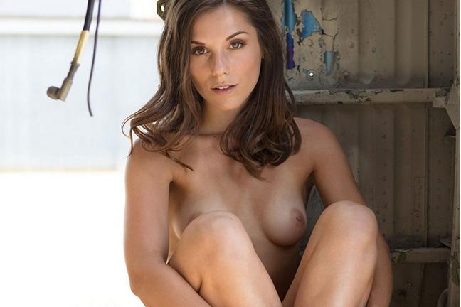 Elena Generi in Flygirl
