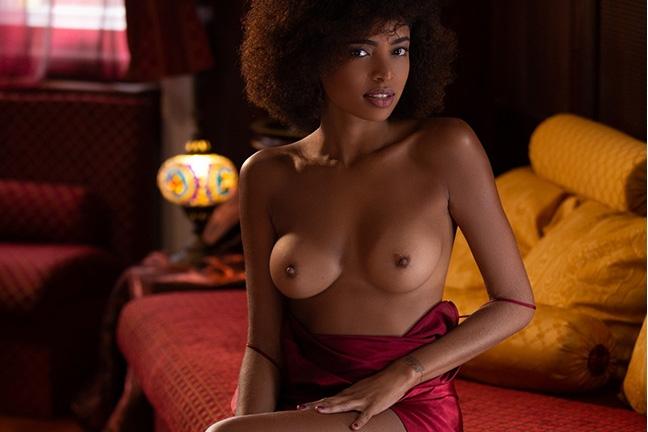 Bruna Rocha in Tempting Invitation