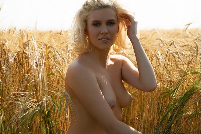 Jenessa Dawn in Country Honey