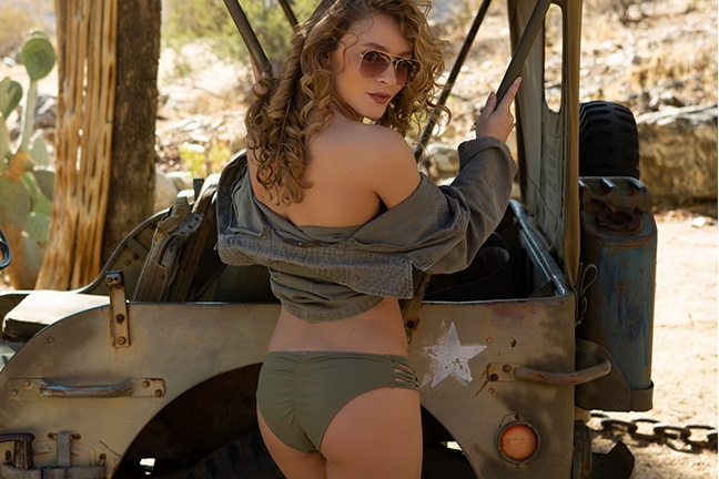 Alice Antoinette in Off-Road Exposure