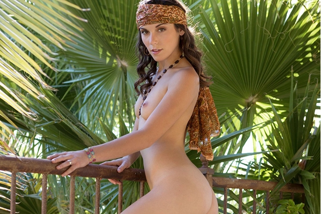 Elena Generi in Positive Vibes