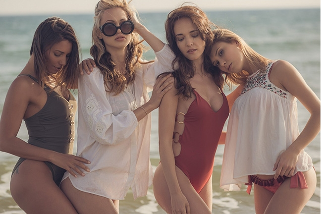 Bianka, Anetta, Zita and Emily in Sundown Sensations