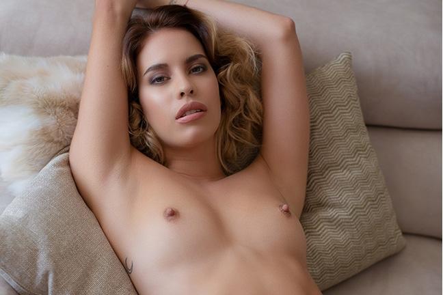 Toni Maria in Longing Desire