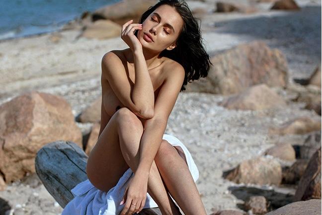 Viktoriia Makhova in A Shore Thing