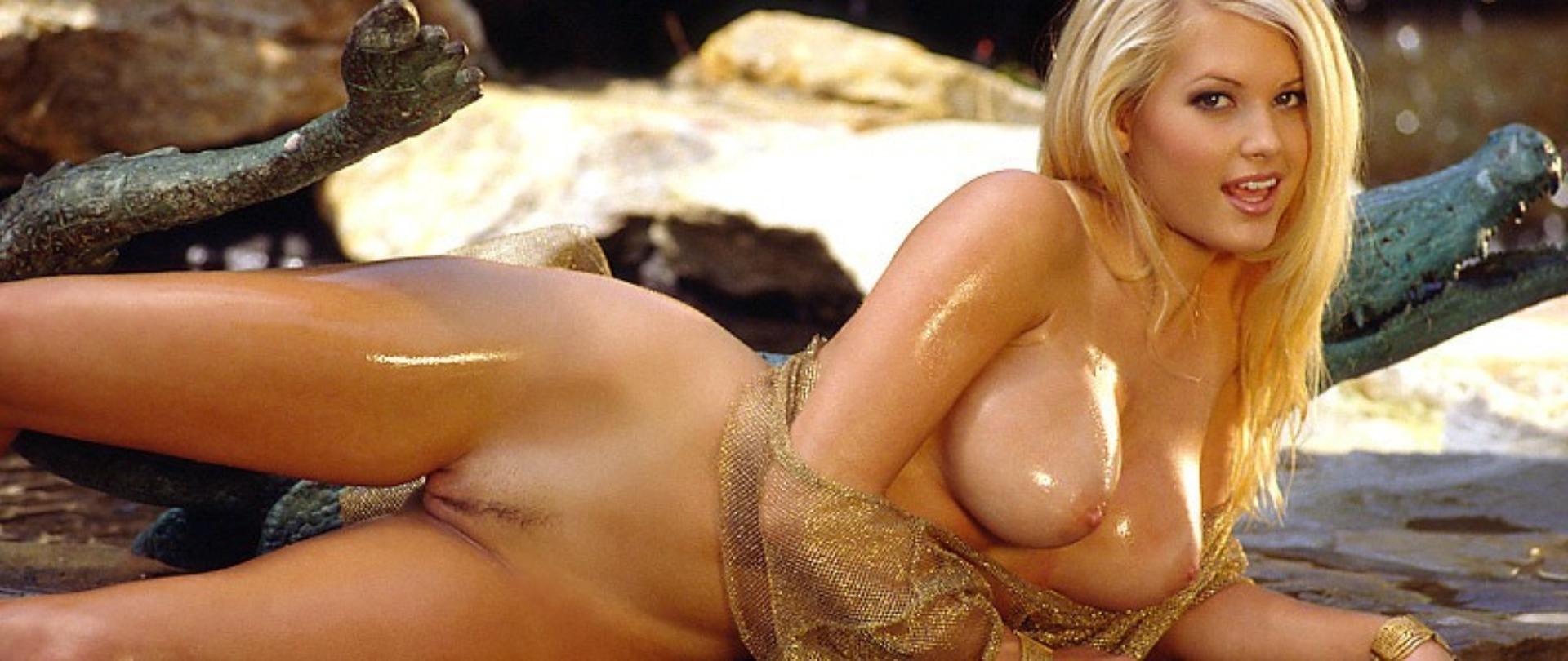 Suzanne stokes nude