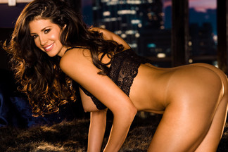 Playmate of the Month April 2009 - Hope Dworaczyk