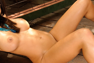 Cybergirl of the Week - February 2011: Candice Guerrero