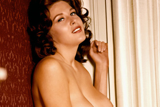 Playmate of the Month October 1959 - Elaine Reynolds