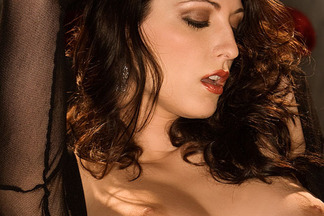 carlotta-champagne-pictures-nude-cyber-girl