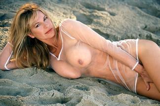 Celebrities - Linda Doucett