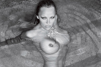 The Passion of Pam - Pamela Anderson