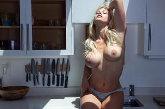 Kari Nautique Playboy