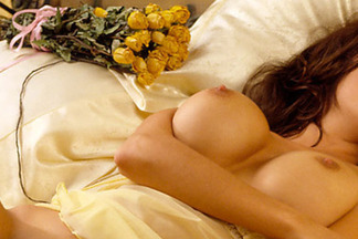 Cyber Girl of the Month - October 2001: Erika Barre 04