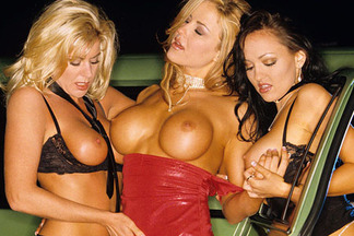 More Features - Supersexy Threesome