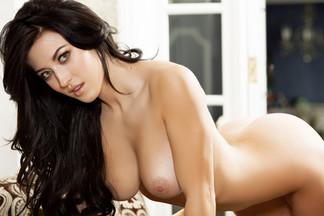 Stefanie Knight in Perfect Body
