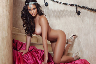 Jaclyn Swedberg in Sweet Retreat