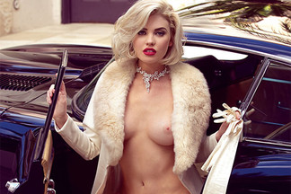 Kayslee Collins in A Classic