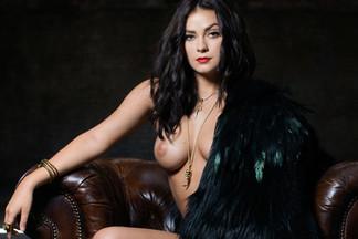 Alexandra Tyler in A La Mode