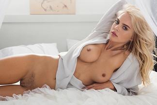 Rachel Harris in Fine Art