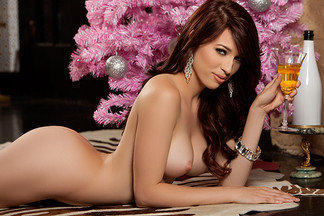 Caitlin McSwain in Merry & Bright