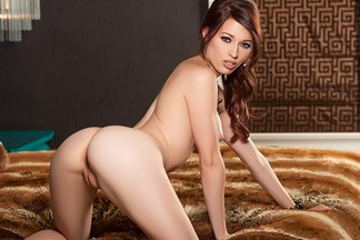 Caitlin McSwain in Intimate Interests