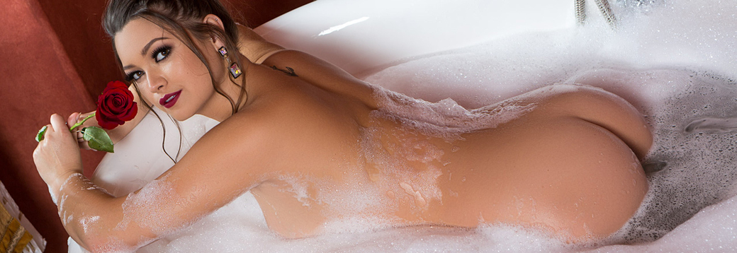 This chelsie aryn hot naked