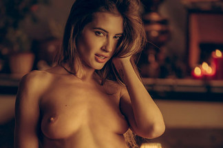 Taya Vais in Sultry Desires