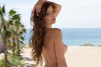 Lauren Lee in Breathtaking Beauty