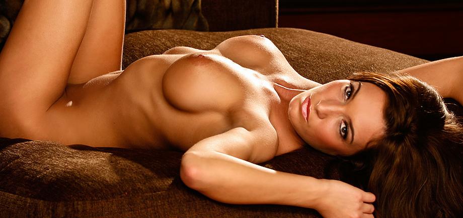 Co ed naked wres